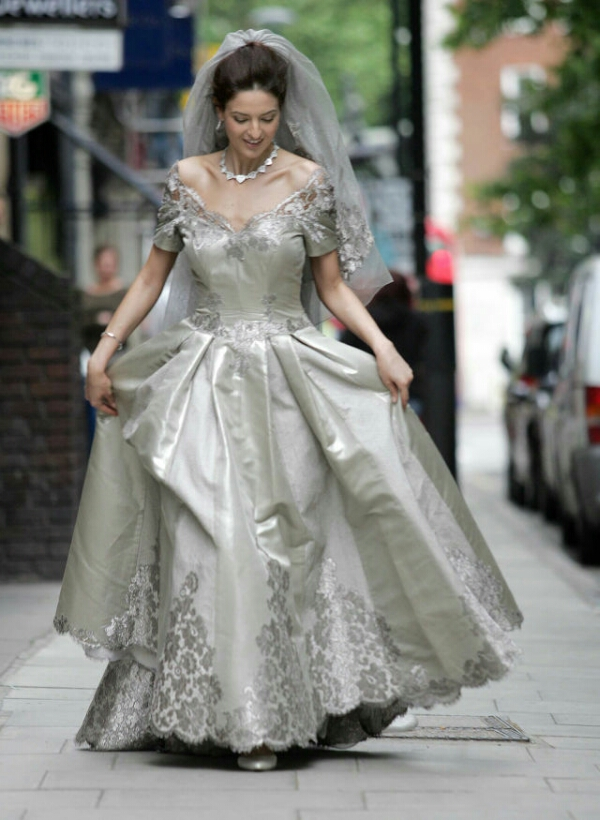 10 ridiculously expensively extravagant wedding gowns – Dr. CiCi\'s blog